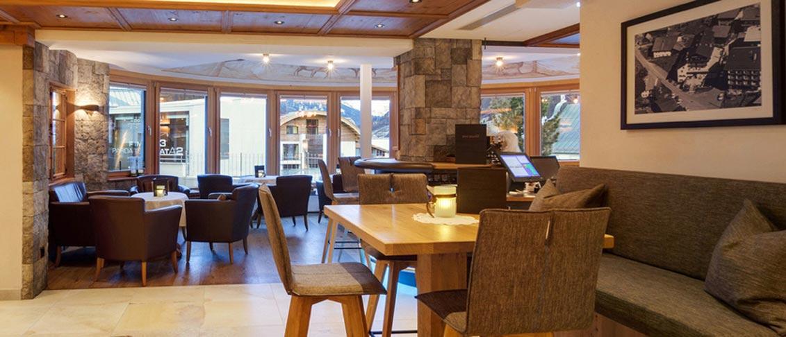 Hotel Jägerhof, Ischgl, Austria - lounge.jpg
